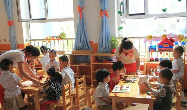 教师节连一束鲜花,都不允许老师收的幼儿园园长,道出了真实原因