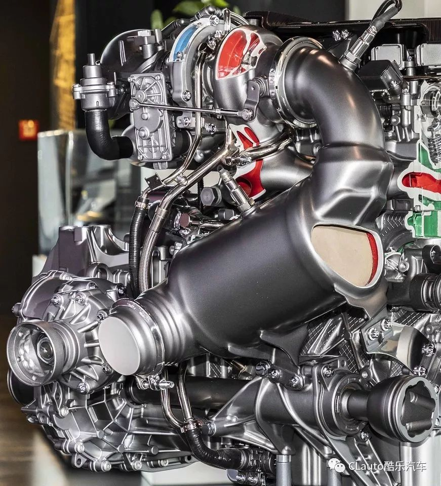 """拆解AMG A45 S的2.0T引擎,421匹/500牛米有多少""""黑科技""""?"""