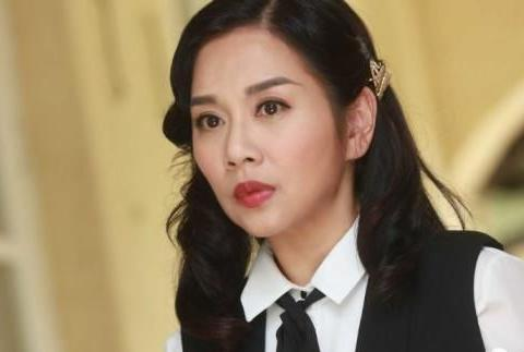 《福尔摩师奶》陈松伶14年后再为TVB唱剧集歌,唱片曾大卖超同年