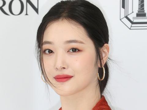 韩国科学调查研究院对雪莉进行尸检,警察署表示:没有他杀嫌疑