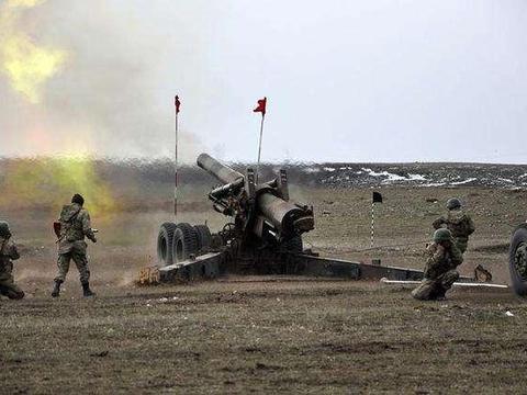 土耳其首次和库尔德对射 双方激烈炮战差距明显:土不愧北约第二