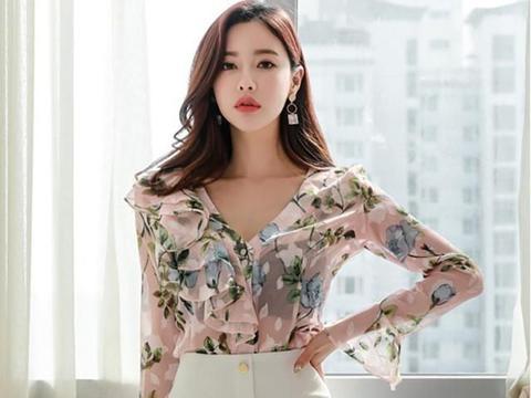 采用飘逸的甜美设计的半身裙,轻松让你塑造出完美的纤瘦体形