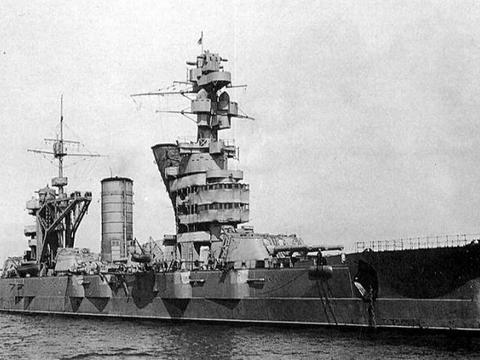 英国航母航速32节,搭载80架战机,为何使用10年便退役
