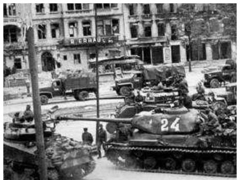 希特勒最后的反击,狂妄的持久战悲壮落幕