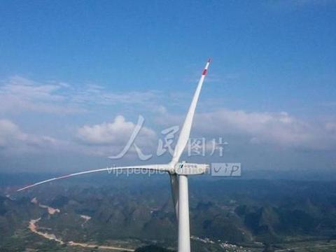 广西融安白云岭风电场部分设备完成装机