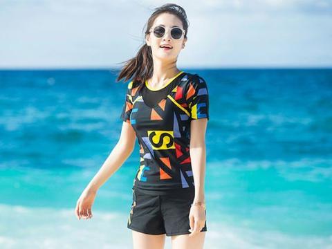 日本名模海边拍写真,阳光下光彩照人,优雅身姿更是令人着迷