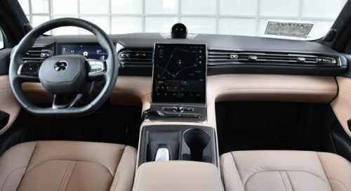 蔚来坚持创新发展,改善蔚来车主用车问题