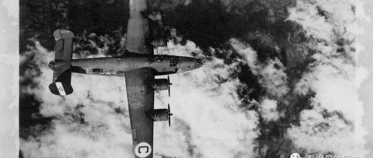 美军空军拍摄的二战老照片 飞机轰炸德国  场面很是震撼