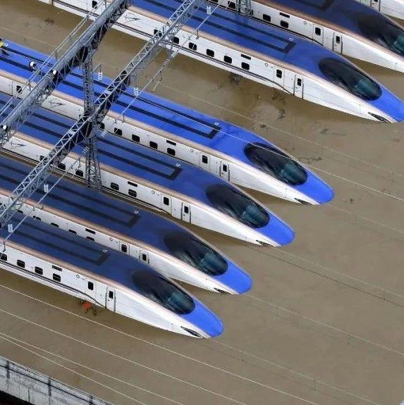 日本新干线被淹 日政府投7亿日元救灾