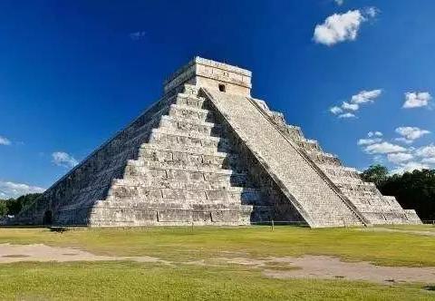 墨西哥也有一处金字塔,玛雅文明的瑰宝,碑文之意至今无人能解!
