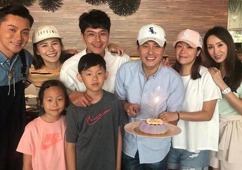 TVB不老男神55岁生日 萧正楠黄翠如林文龙郭可盈开派对庆祝