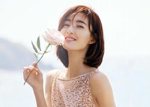 王丽坤回应结婚:还没?她的幸福就在路上