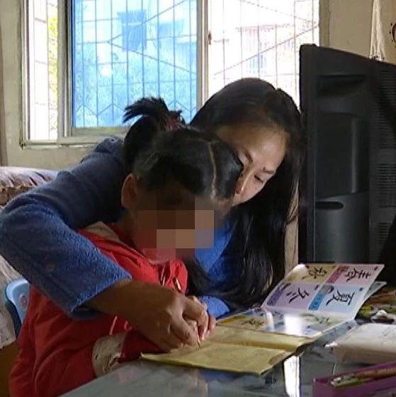 """萍乡好母亲抚养脑瘫弃婴7年 无私大爱创造""""重生""""奇迹"""