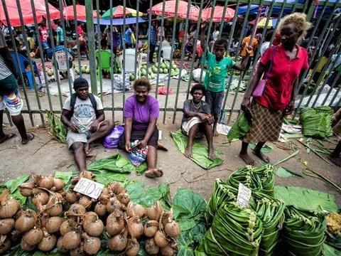 实拍所罗门群岛集市:经济落后,物价便宜,渴望中国人来旅游