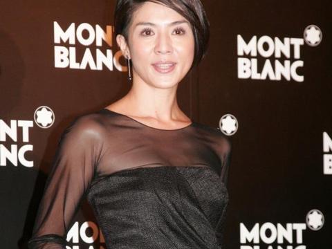 """""""冻龄女神""""杨采妮,45岁魅力十足,出道便被王家卫、徐克力捧"""