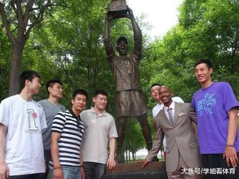 马布里是个明白人:中国队主帅应由中国人担任!他获中国绿卡4年