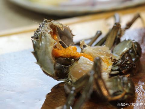 大闸蟹还未上市,与其苦苦等它膏肥黄满,不如先给自己做份毛蟹煲