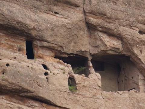 """世界上最早的""""单元房"""",旅游时看到的崖墓群,曾被央视报道"""