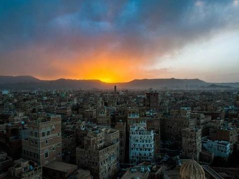 胡塞攻击导致沙特石油减产,伊朗坐等油价上涨,王储号召采取措施