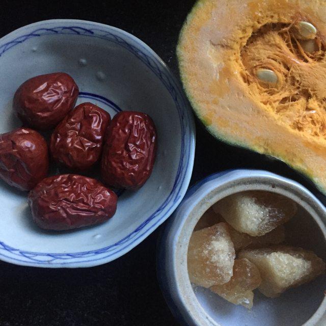 南瓜银耳糖水,甜滑好喝,秋季最爱的养生汤羹