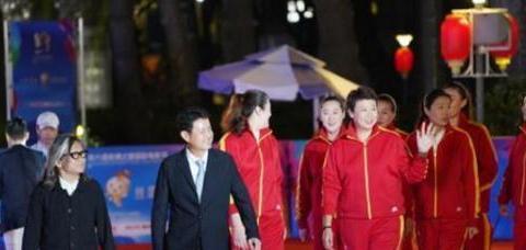 有种速度叫女排发福,徐云丽惠若琪再披国家队战袍,确定退役1年