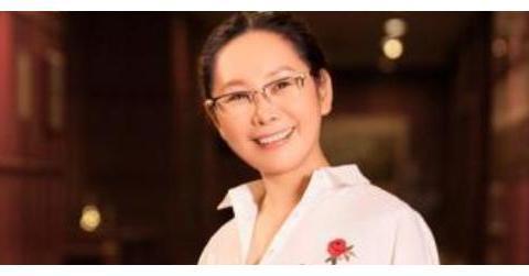 天津队老板入选女富豪榜,105亿身家为天津首富