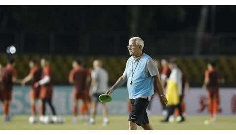进卡塔尔世界杯又悬了!国足战平菲律宾被打回原形!还有坏消息!