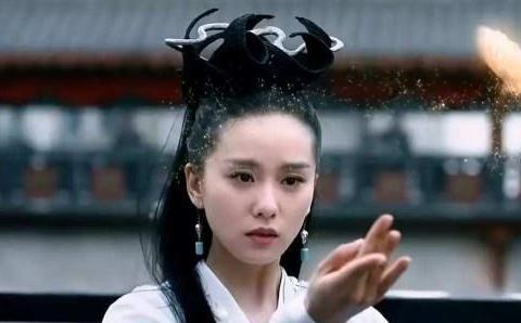 四本东方奇幻小说:《醉玲珑》贵与贱,美与丑,不过在人人一念间