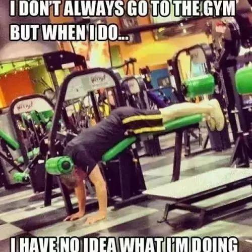 随地扔哑铃惨遭肌肉男怒斥,健身房做这些事最让人反感!