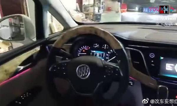 视频:别克GL8内饰改装详解,大家来看看汽车内饰改装!