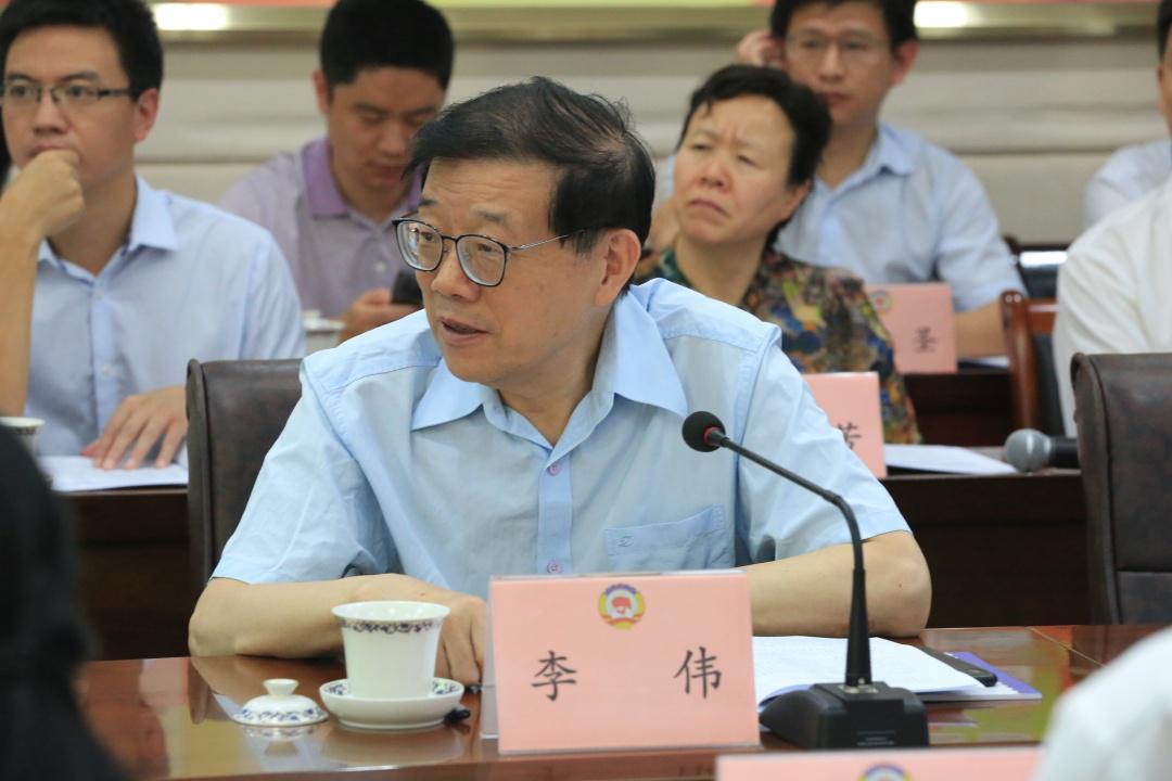 李伟:要改变国家、社会对职业技术人才的偏见