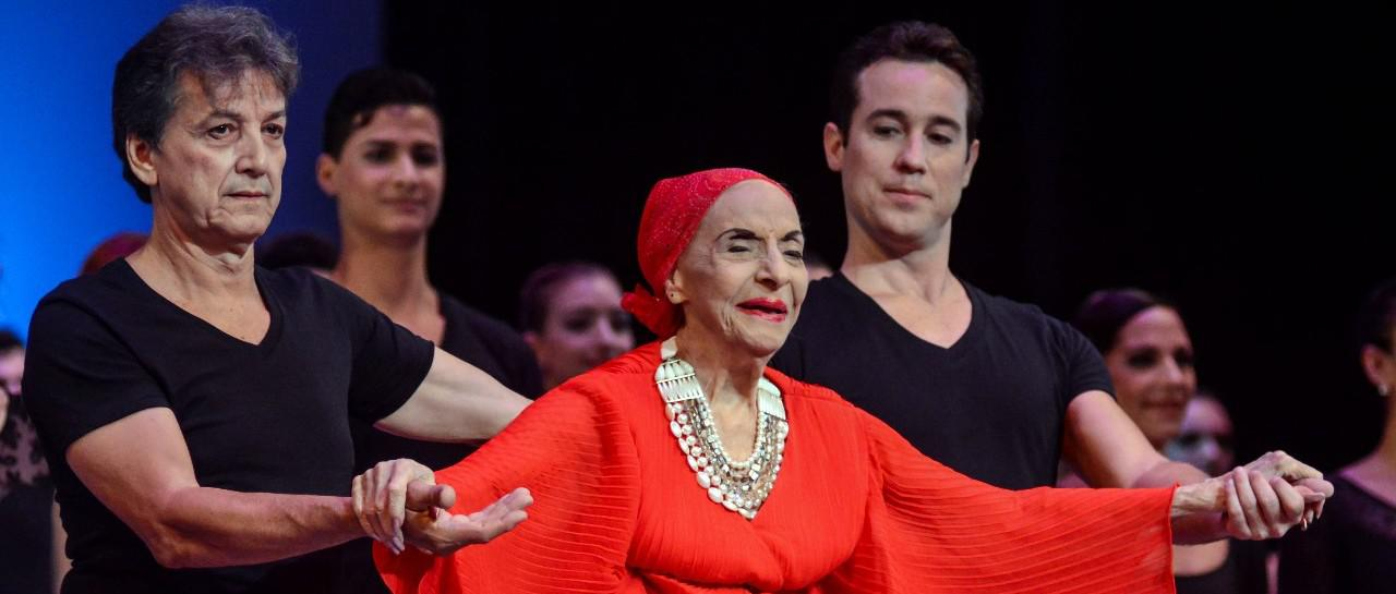 芭蕾舞传奇阿隆索去世 曾创作舞剧向中国致敬(图)