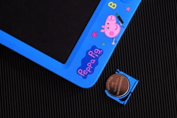 可以画画的黑板,机器岛小猪佩奇智能黑板体验