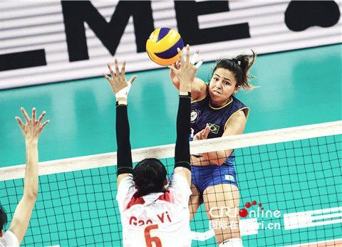世界军运会中国女排力克巴西赢得两连胜 团结与沉稳成为取胜秘笈