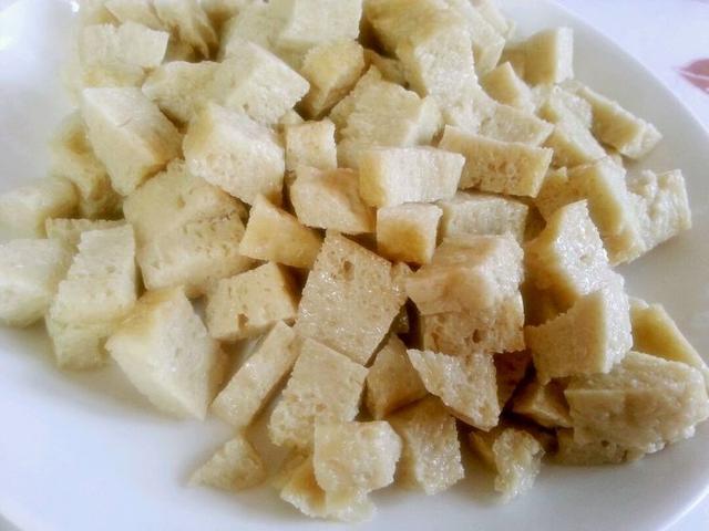 用面粉做面筋做法步骤,方法简单快速,比超市买回来的都好吃