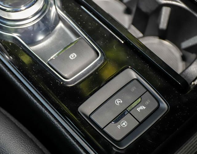 V6引擎+运动套件+超大大屏!38万的福特锐界ST,满足你的超跑梦