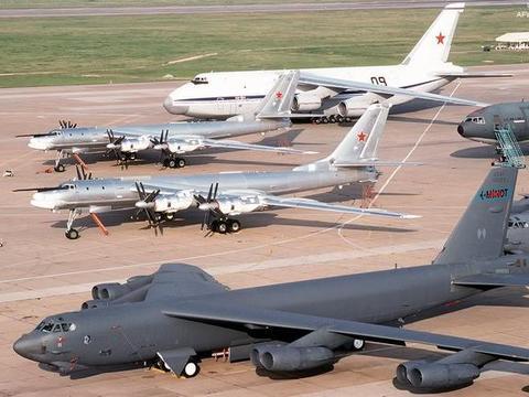 B52和图95轰炸机服役几十年,为何目前仍然是美俄空军主力?