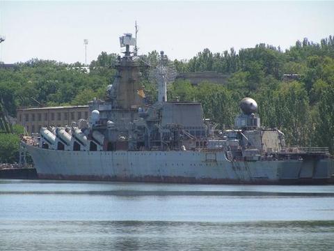 """乌克兰""""航母杀手""""寻归处,水中泡了20多年变废铁,白送也没人要"""