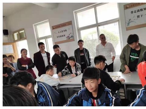 淮安季桥镇初级中学召开家长会和法制报告会