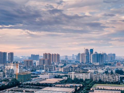 我国最具发展潜力的三座副省级城市:武汉、成都、南京你更看好谁