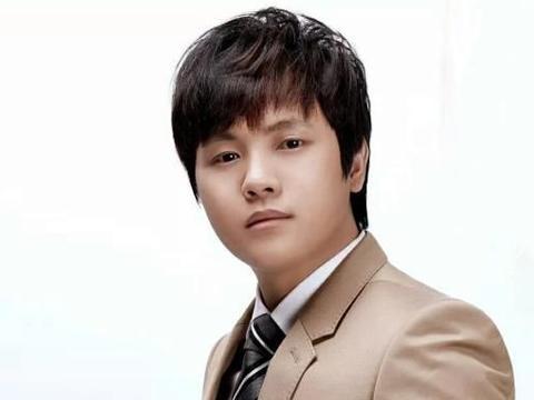 郑源被称为情歌小王子,实力和人气不比张信哲差