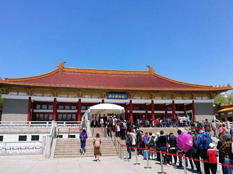 中秋节小长假,南京博物院大受游客欢迎,门票抢订一空