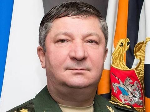 俄军上将突然被逮捕,家中搜出巨额美元卢布,克宫下令抄家赔偿