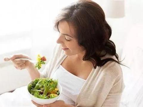 这六种食物,影响胎儿大脑发育,孕妈再馋也不要吃,坚持十个月