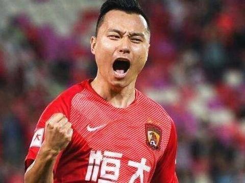 杨立瑜和韦世豪停赛,卡帅将启用两大新面孔首发,一人曾斩获金靴