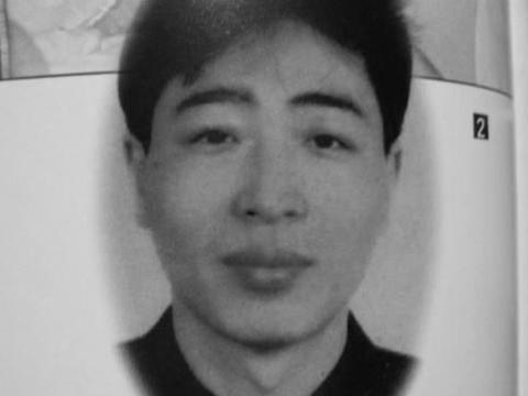 1994年,一名死刑犯在织毛衣时越狱,2年间犯下3起大案
