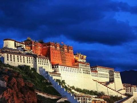 观世音菩萨四大道场之一,西藏这座建筑群免5个月门票