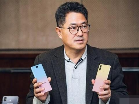 """曾是中国第一女性手机,靠舒淇代言一炮而红,如今沦为""""山寨机"""""""
