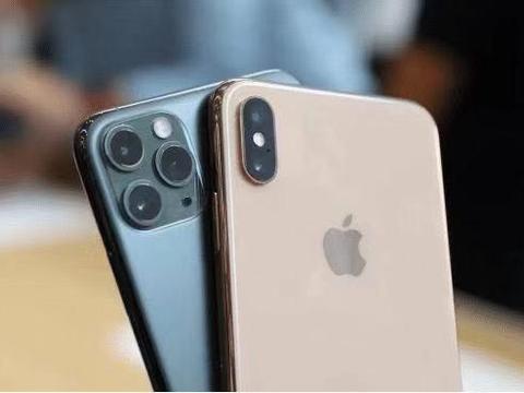 手持iPhoneXsMax,3个理由升级iPhone11 Pro Max,你心动了吗
