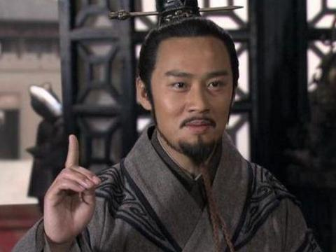 大臣被刺客刺杀,断气前对皇帝说:将我五马分尸,凶手定会抓住!